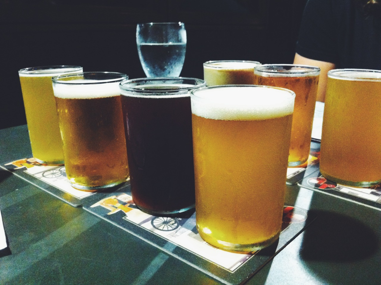 beer flights at sidecar bar